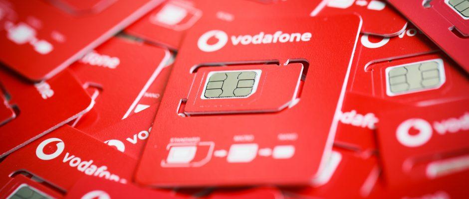 Für den Umweltschutz halbiert Vodafone die Größe der SIM-Karten.