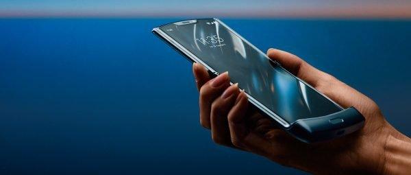 Motorola razr is back: Die Neuauflage ist das erste Foldable des Handyherstellers.