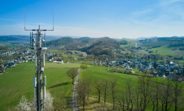 Vodafone baut das 5G-Netz in der Fläche aus auf 700-MHz-Frequenzen.