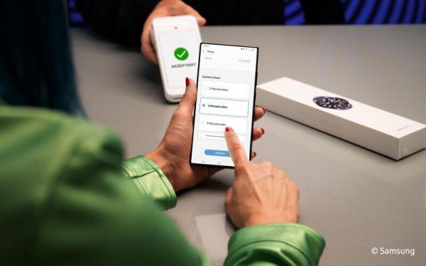 Samsung-Pay-Nutzer können ihre Einkäufe via Splitpay in Raten zahlen.